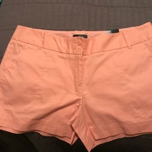 Brand NWT The Limited City Short Size 6 Peach 🍊